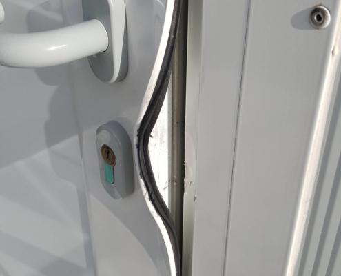 Comment réparer une porte après effraction ?